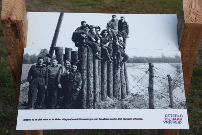 Antitankwal met bevrijders Gerhard H. Starke © BDU Media