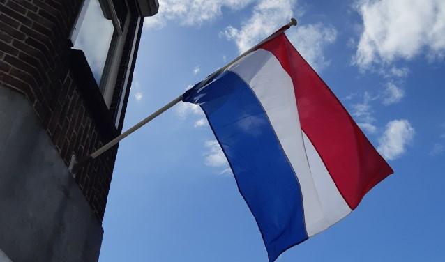 De Nederlandse vlaggen wapperden in de Sliedrechtse straten.