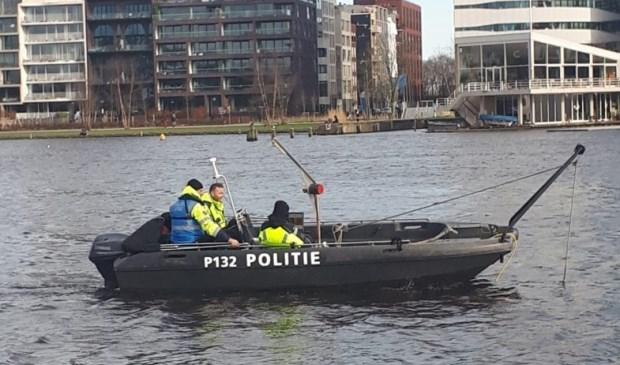 Op diverse locaties rondom de Amstel werd al eerder uitgebreid gezocht.