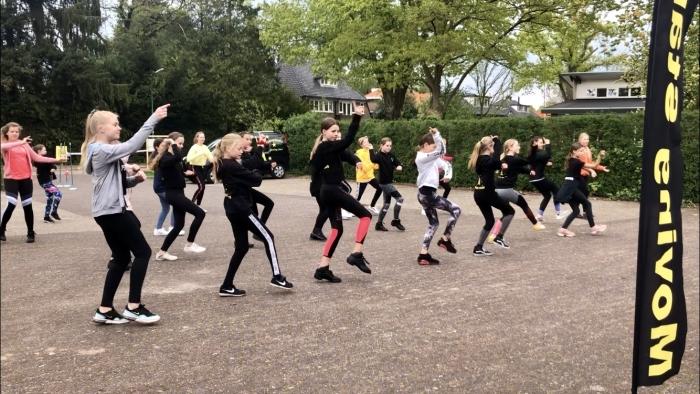 Dansers Moving Stars