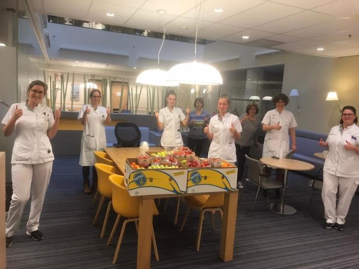 Ontvangst van fruit bij Catharina ziekenhuis Eindhoven