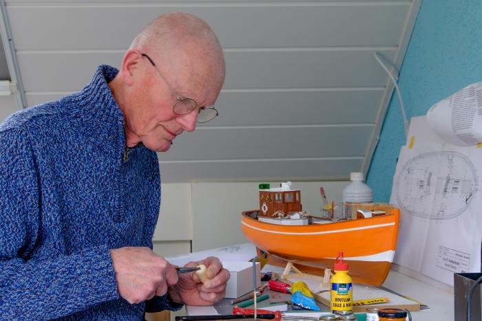 bouwen met latjes aan een kotter Wim Markhorst © BDU media