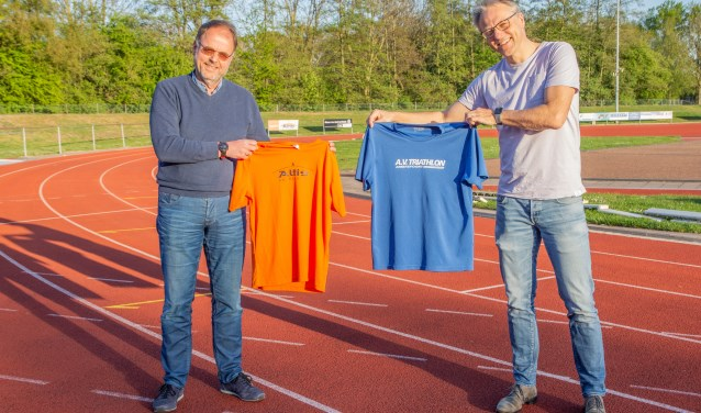 Voorzitter av Atltis Gert Koudijs en voorzitter av Triathlon Thomas Plochg.