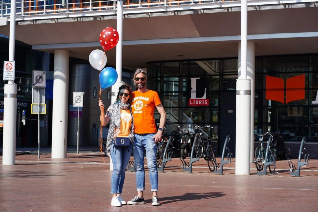 Toch nog een beetje oranje op een leeg Stadsplein  Naomi Heidinga © BDU media