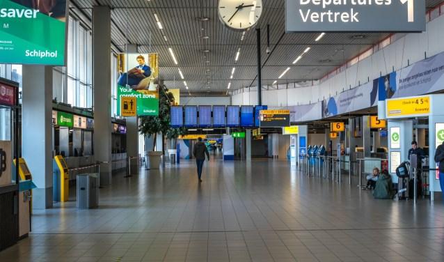 Schiphol Airport is een 'ghost town' tijdens het coronavirus.