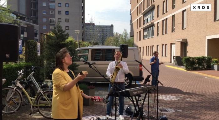 Jazzsaxofonist Jonny Boston en zangeres Alice verzorgen een paasconcert. xrds Amstelveen © BDU media