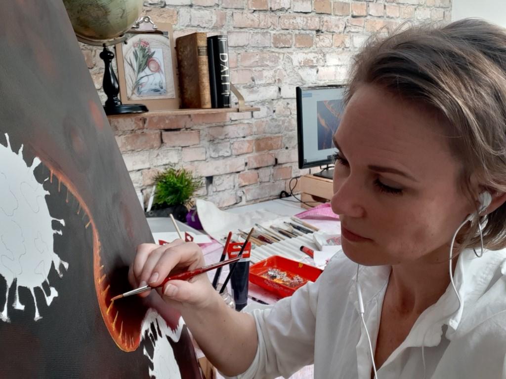 Robyn zet haar hobby en vrije tijd in om anderen te helpen.  Robyn Eijlander © BDU media