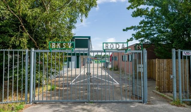 De hekken van de sportparken gaan weer open voor de jeugd.
