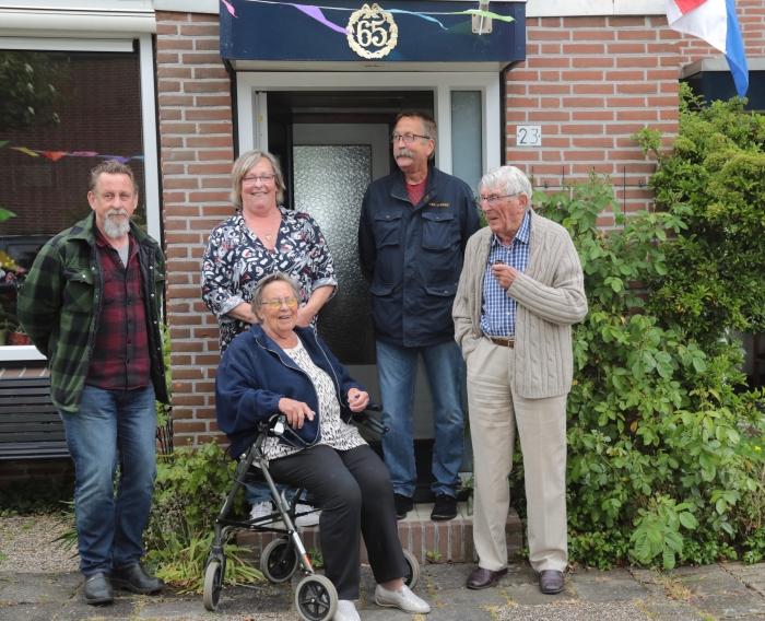 v.l.n.r Rob, Ellen, Willem, Jelle, zittend Eltje
