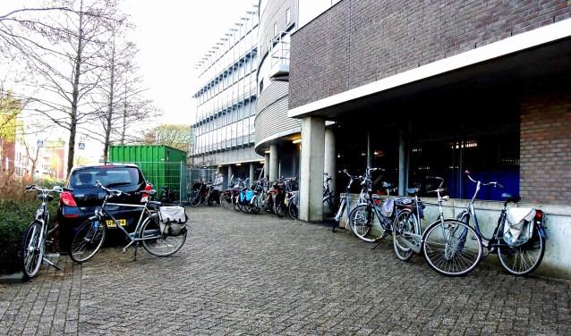 Het COA heeft het belastingkantoor in de Gildenwijk aangekocht