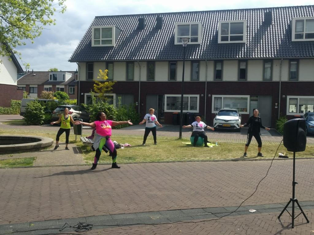 Dansen voor de ouderen Sheile Kroes © BDU media