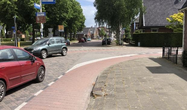 De gemeente gaat de verkeersveiligheid Dorpsstraat-Engweg verbeteren.