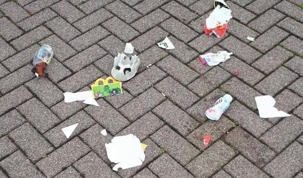 <p>Als jongeren afval op straat gooien, wordt dat ook gerekend tot jeugdoverlast</p>