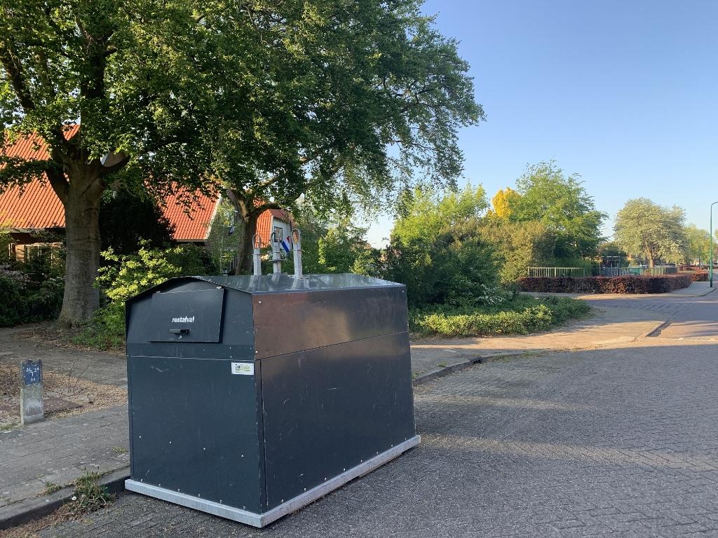 Waar bezwaarprocedures lopen staan nog bovengrondse containers, zoals hier op de Wijkamplaan. Deze plek vindt een groep buurtbewoners te veraf.   Hans Veltmeijer © BDU media