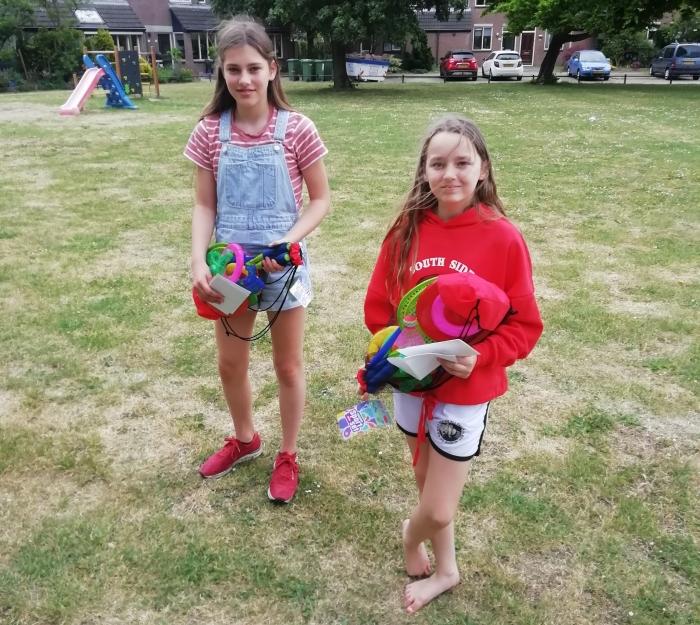 Amber en Lorena, winnaars fotochallenge