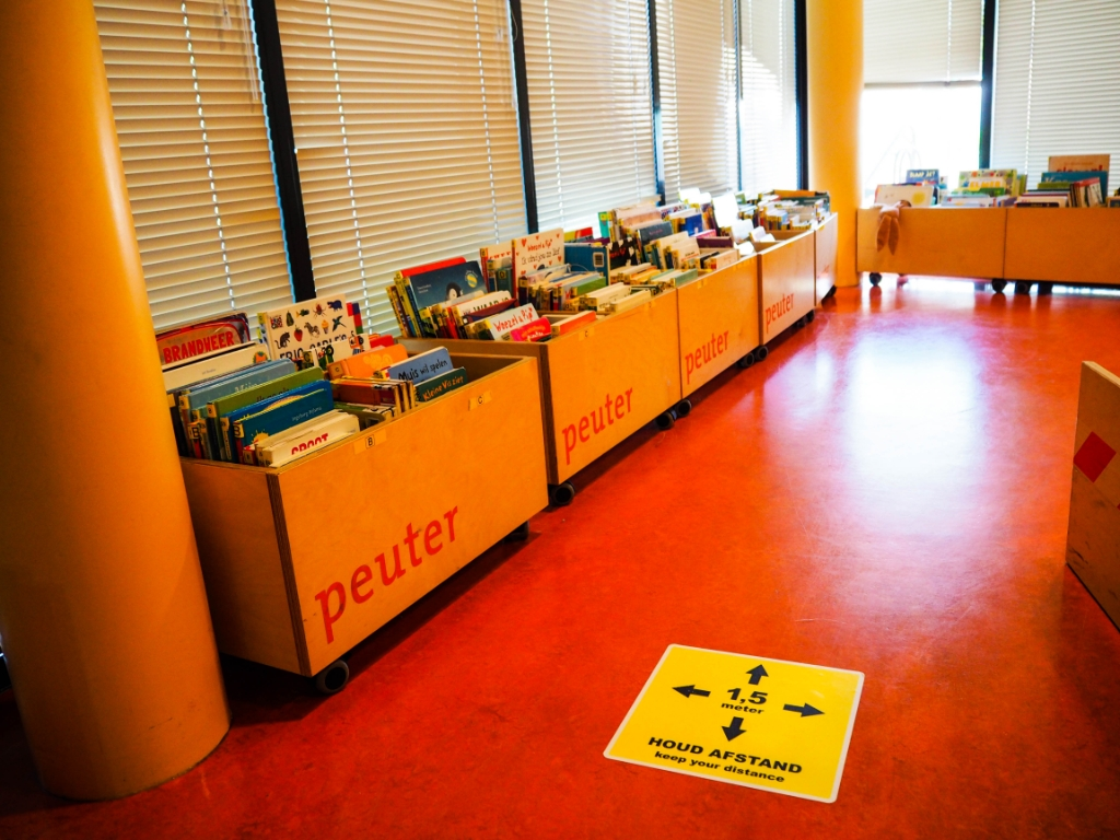 Houd afstand! Bibliotheek Lek en IJssel © BDU media