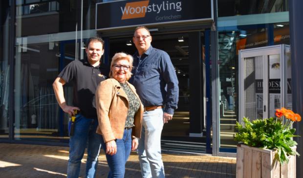Dorine en Hans Schaaf met links zoon Djordy van Woonstyling Gorinchem.