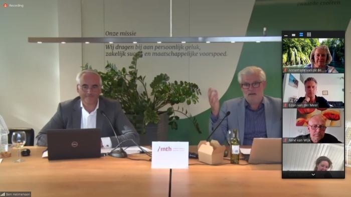 BON-voorzitter Ben Heimensen en moderator Arie Lengkeek