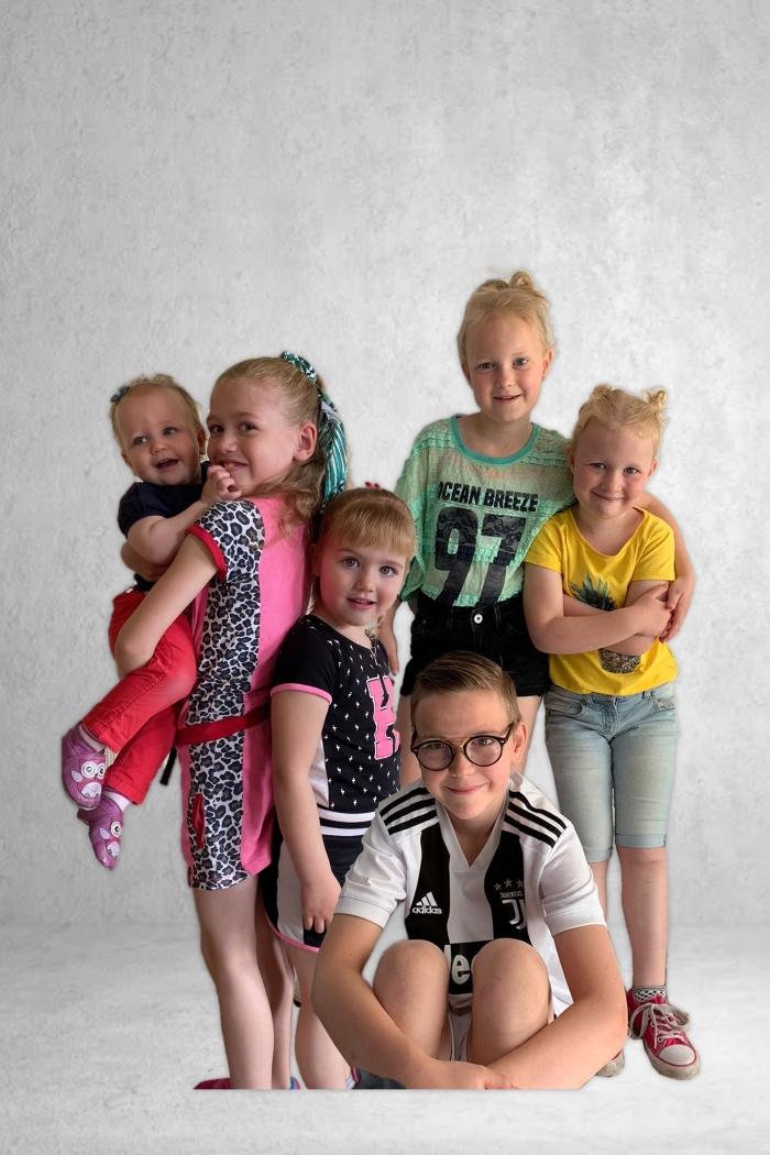 Achterkleinkinderen: Suus, Sarah,Sylke,Gwen,Nova,Niels