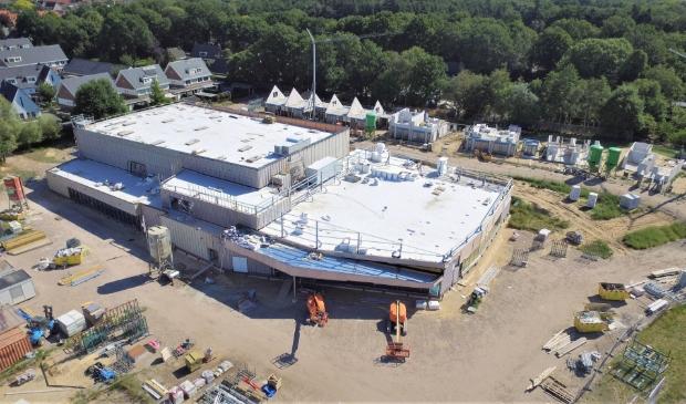 De nieuwbouw van het nieuwe dorpshuis aan de Wikselaarseweg in Voorthuizen