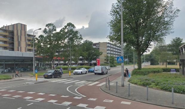 De showroom en het tankstation op de hoek van de Groenelaan, gaan verdwijnen.