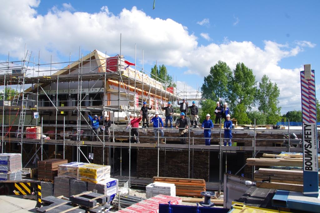 Het hoogste punt van hospice De Cirkel voor de Alblasserwaard in Papendrecht is bereikt. Hospice De Cirkel © BDU media