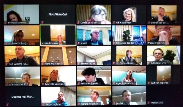 Gemeenteraad van Wijk bij Duurstede, via Livestream, is verdeeld over aansluiten bij de Coalition of the Willing.