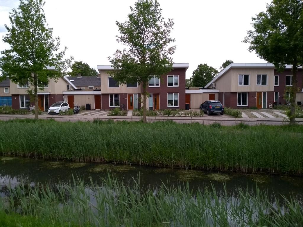 Het Kruisgebouwtje aan de Roo van Alderwereltlaan maakte plaats voor nieuwe woningen.  Daan Bleuel © BDU media