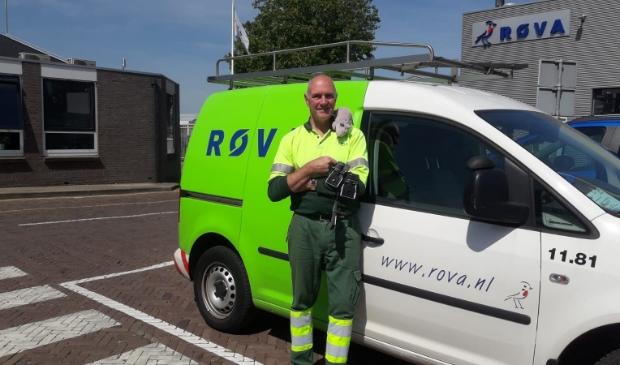 Rob Houtveen komt ondanks de corona-crisis dagelijks bij mensen over de vloer om ratten op te sporen.