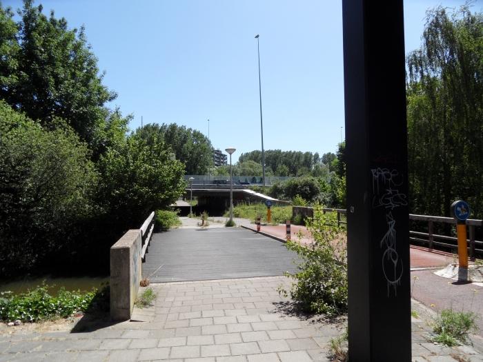 Fietstunnel A10 Entrada naar Duivendrecht