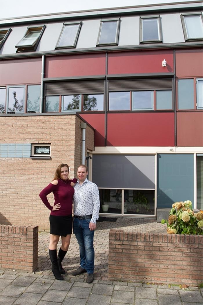 Huiseigenaar Pascal Saul voor zijn woning in Arnhem