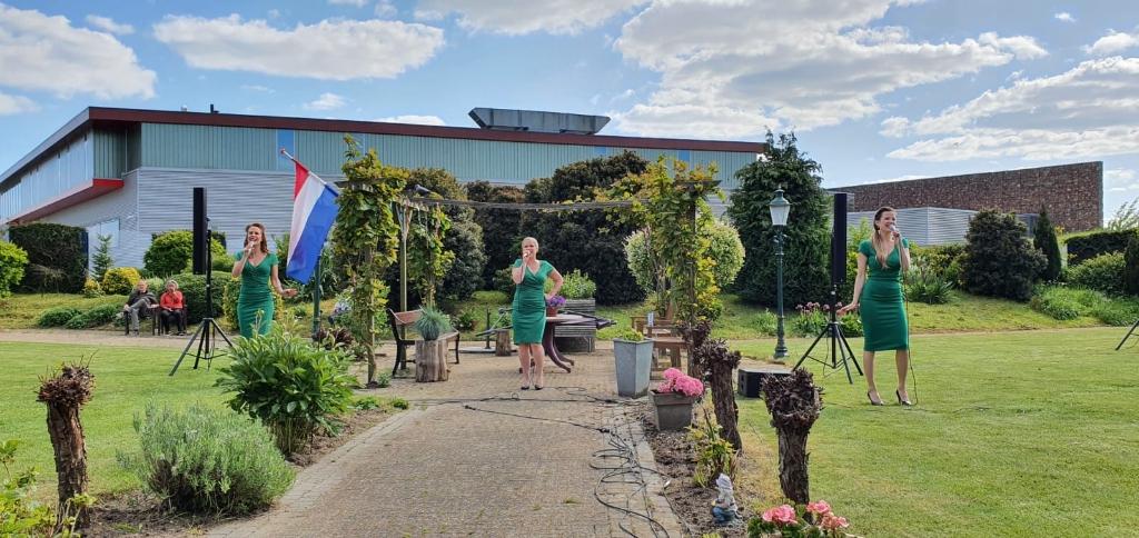 Een bevrijdingsconcert op diverse plaatsen in Houten  © BDU media