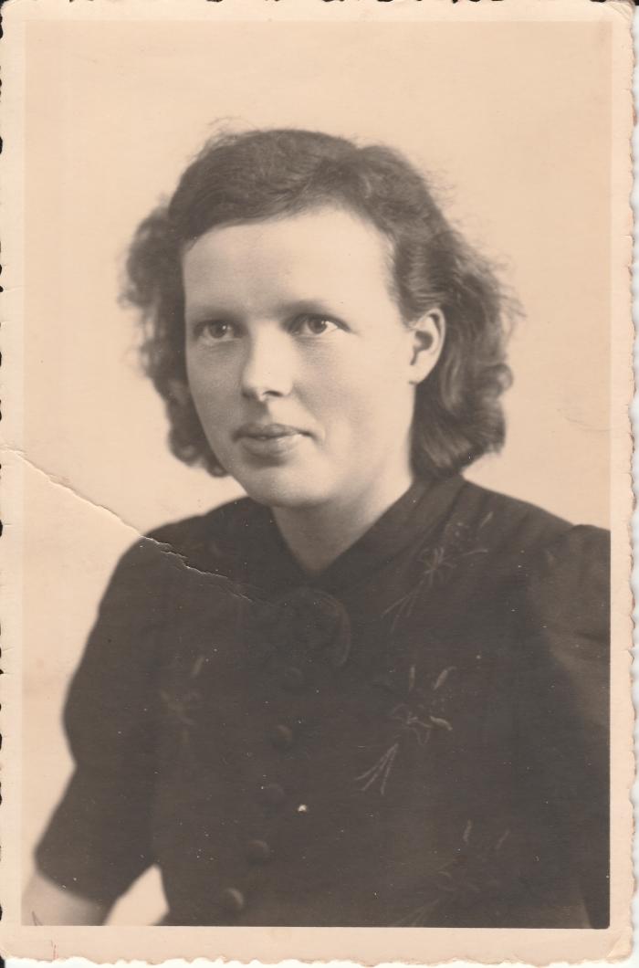 Cathrien van Ballegoy-Cligge als jonge vrouw. Eigen foto © BDU media