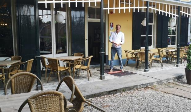 Gastheer van Buitenlust Paul van Roy kan niet wachten om zijn gasten weer te verwelkomen op zijn fantastische terras.