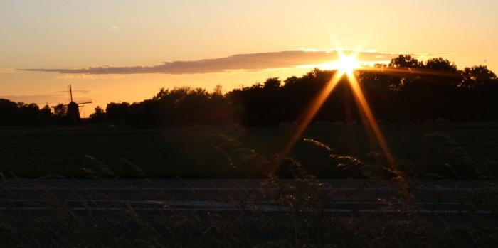 Zonsondergang vanaf de Stramanweg Ellen Vergouw © BDU media