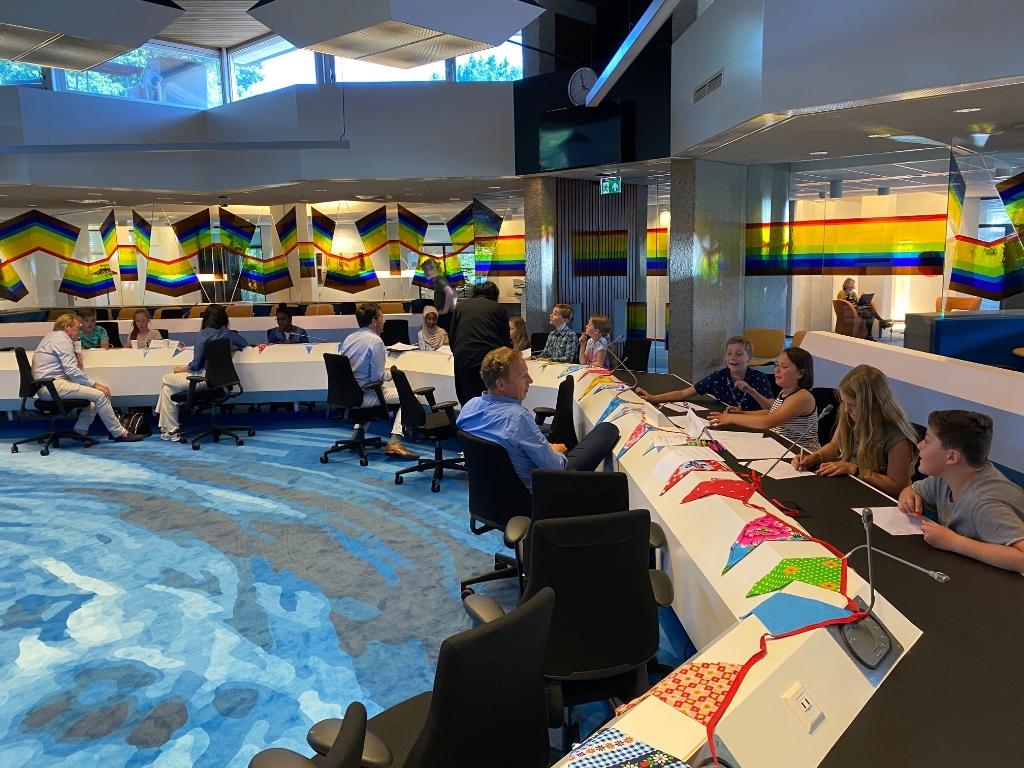 De hele groep in overleg. Gemeente Amstelveen © BDU media