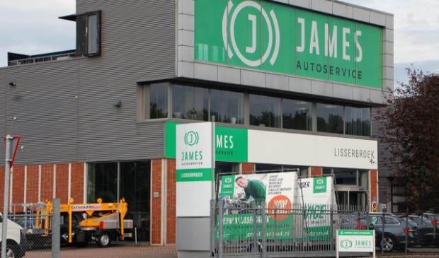 JAMES Autoservice aan Gansoord 15 in Lisserbroek.