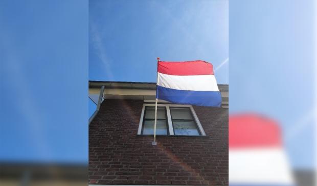 <p>Bij veel huizen zal vandaag de vlag uitgaan.</p>