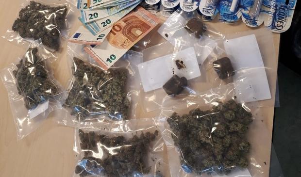 <p>In de woning aan de Wijnkoperstraat werden drugs gevonden</p>