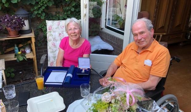 Mevrouw C. van Erp-Doornenbal, ook wel 'Mama Cats' genoemd, is benoemd tot Lid in de Orde van Oranje-Naussau.