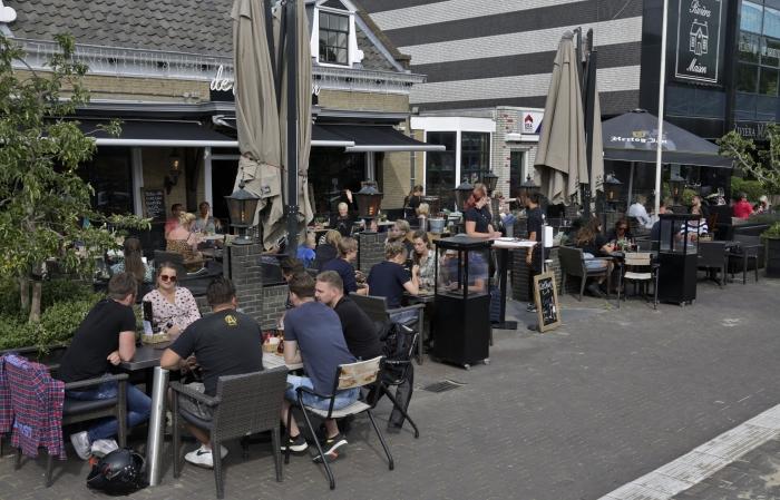 Vol terras bij café Polderboom