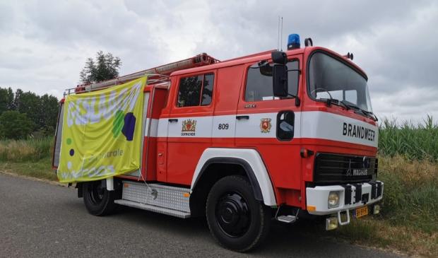 Met een ouderwetse brandweerdagen bracht de Windroos het goede nieuws.