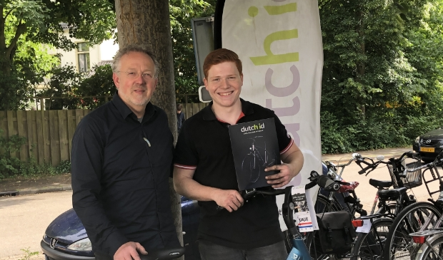 """Jos van den Berg (l) en David de Vries: ,,Kom langs en laat je verrassen door de e-bikes van Dutch ID."""""""