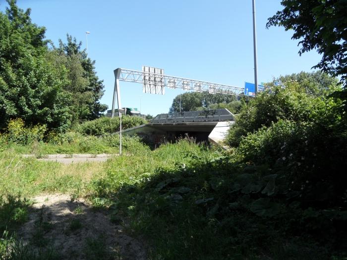 Verbinding tussen Zonnehof en vermeld stuk grond