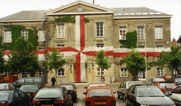 Op 14 juni 1995 opende staatssecretaris Aad Nuis met groot enthousiasme het nieuwe, voor de gelegenheid met een lint versierde, Gorcums Museum aan de Grote Markt.