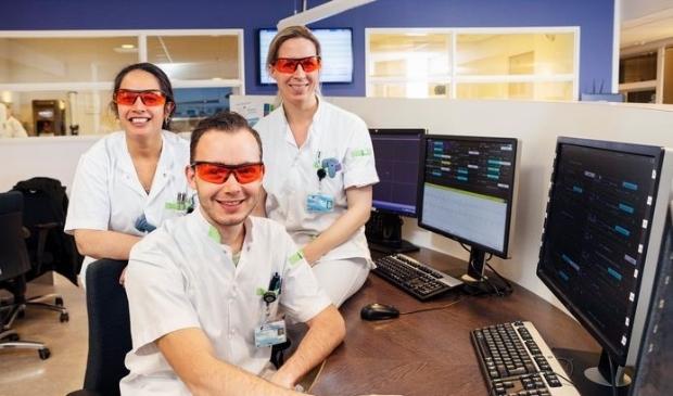 Ook het personeel van het HagaZiekenhuis in Den Haag is blij met de brillen.