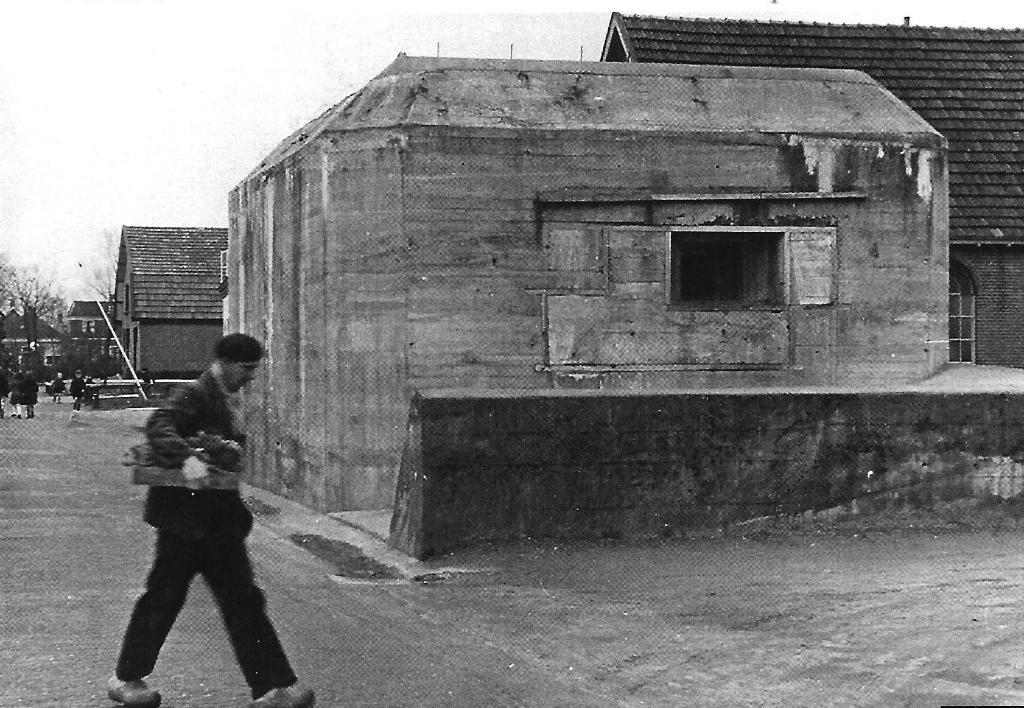 Een Duitse bunker uit de Pantherstellung bij Hoevelaken, gebouwd onder leiding van Organisation Todt, die tijdens de oorlog in Huize Hoevelaken was gevestigd. Deze organisatie speelt ook een rol in een van de negen afleveringen van de podcastserie Oorlog op de Veluwe. Bibliotheek Nijkerk © BDU Media