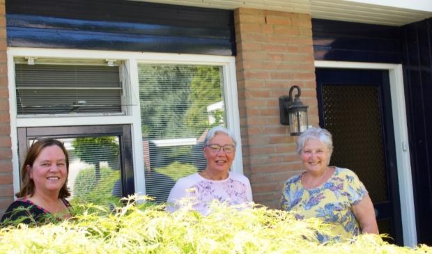 Vrijwilligers van het maatjesproject dementie: Helena van Linneweever, Gera Weimar en Annemiek Hammink.