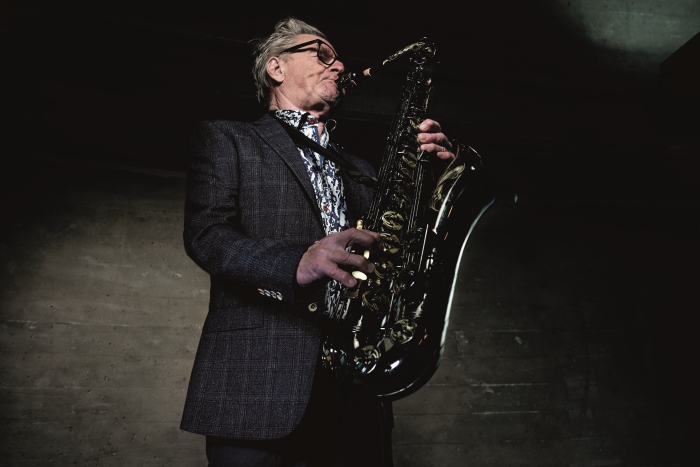 Hans Dulfer Plays