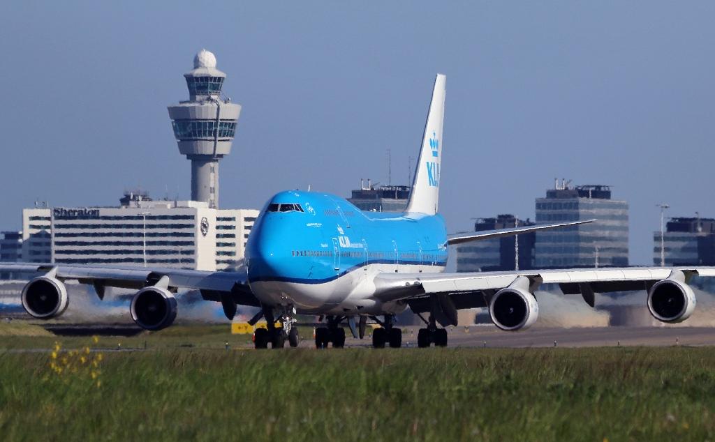 <p>Het kabinet is niet verplicht strengere klimaatvoorwaarden te verbinden aan de financi&euml;le steun voor KLM.</p>